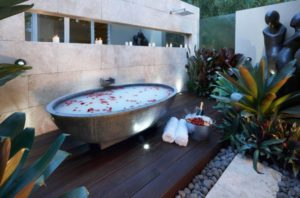 outdoor-spa-2-620x410